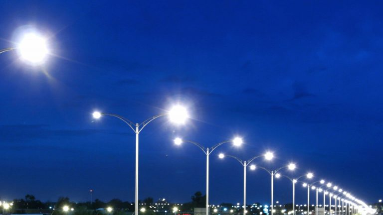 Eco-lumina captivează şi Becleanul