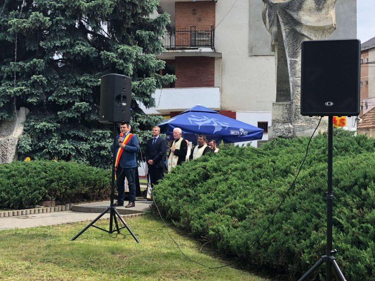 Primarul Nicolae Moldovan, de Ziua Eroilor: Să fie pace în lume!