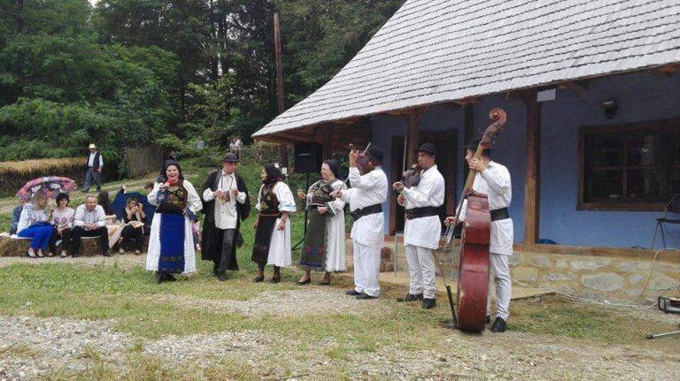 Fiii satului Șendroaia, la a cincea întâlnire