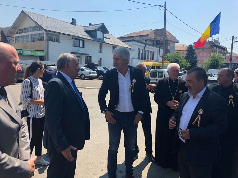 """Ministrul Finanţelor Publice, la sărbătoarea Becleanului: """"Puteţi conta pe mine!"""""""