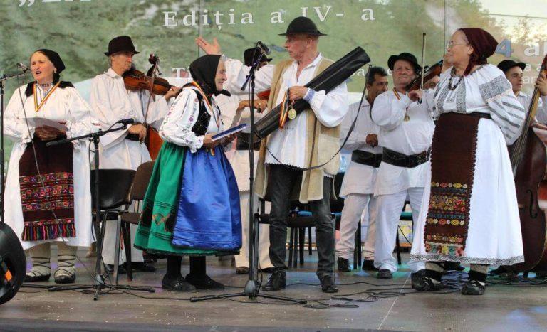 """De la Târlișua, trofeul Festivalului """"La Poale de Ţibleş"""" a mers în județul Cluj"""