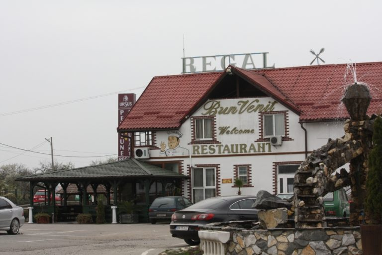Restaurantul Regal face angajări